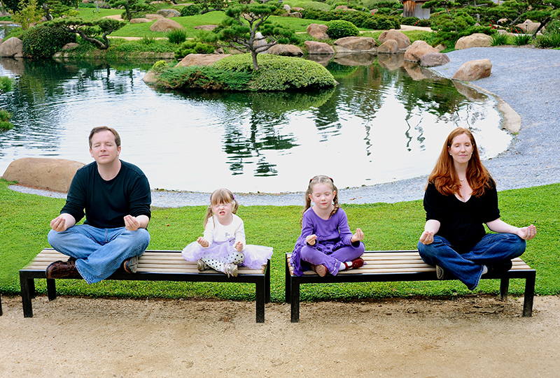 family_portrait_yoga_lifestyle