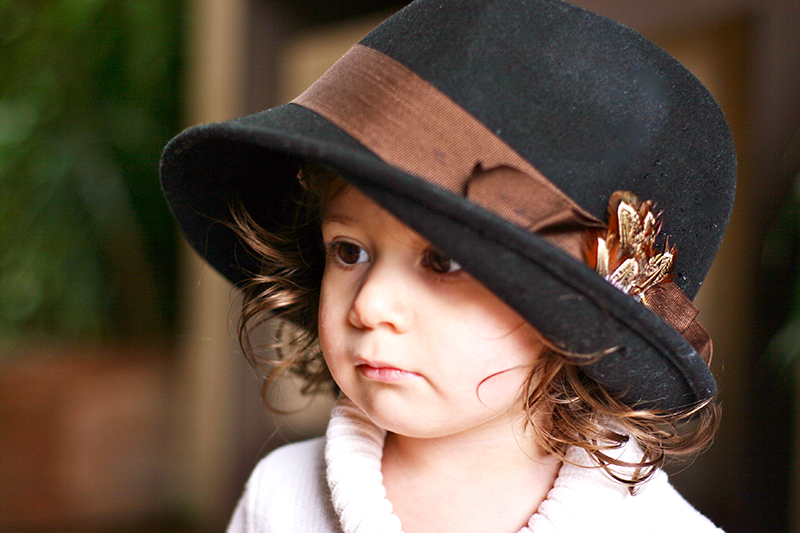 toddler_portrait_lifestyle_hat