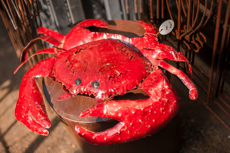 metal red crab art