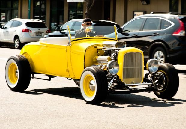 Yellow_Classic_Car