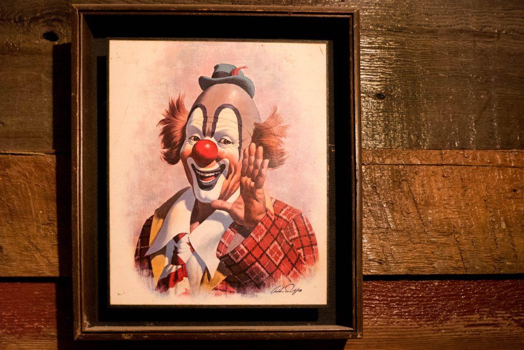 Drunkys, Fremont, Seattle, Two Shoe BBQ, ballard, bbq, clown, clowns, restaurant, rustic