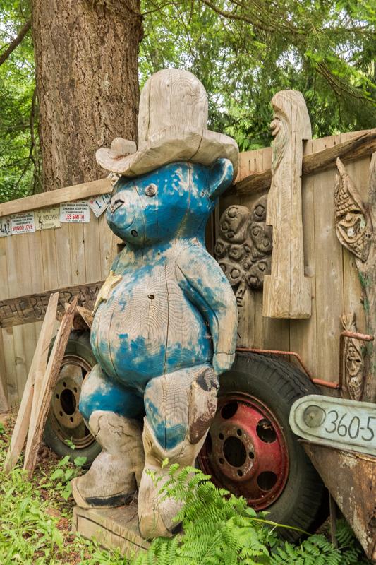 wood carving bear