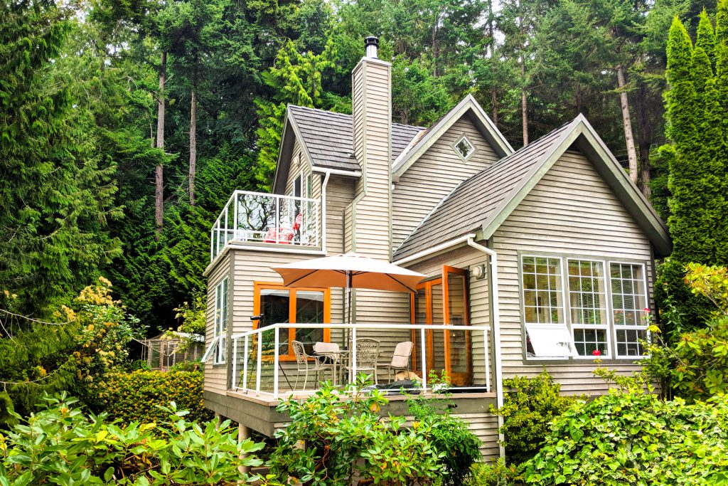 BC, british columbia, coach house, coach house on the cove, pender island, vacation rental